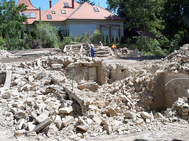 Családi ház bontása